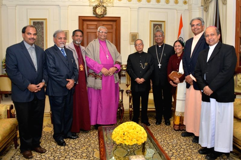 President Pranab Mukherjee meets Bishop Subodh C. Mondal, President, Council of Bishops, Methodist Church in India and Bishop of Delhi Episcopal Area and others at Rashtrapati Bhavan in ... - Pranab Mukherjee