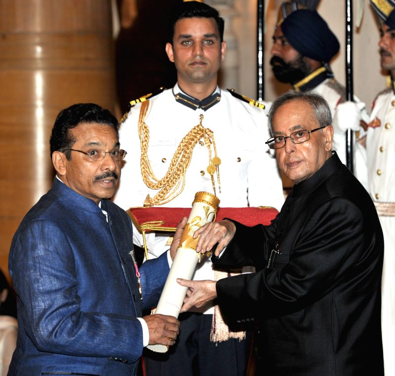 President Pranab Mukherjee presents the Padma Shri Award to Dr. P. Haridas, at a Civil Investiture Ceremony, at Rashtrapati Bhavan, in New Delhi on April 8, 2015. - Pranab Mukherjee