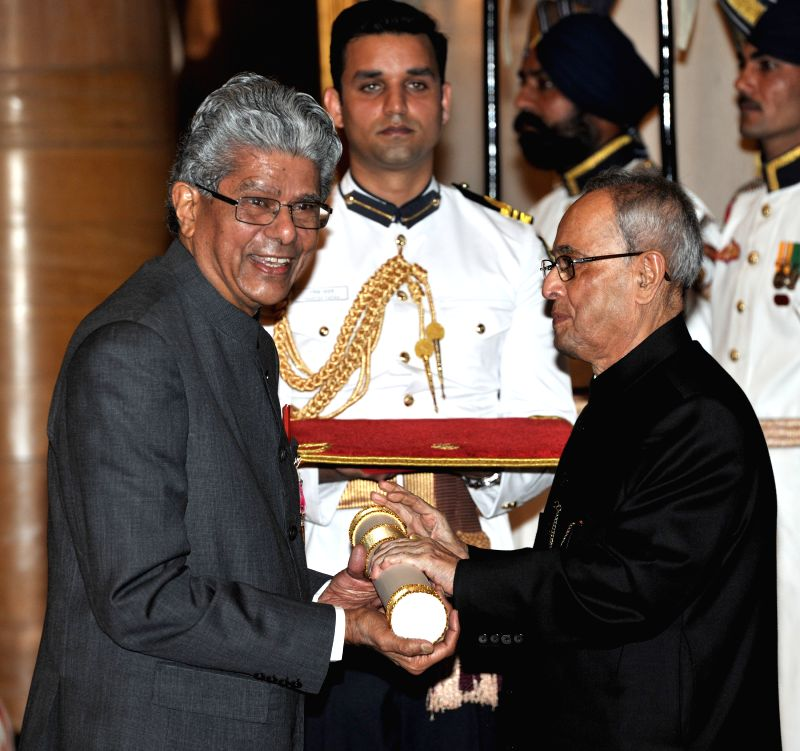 President Pranab Mukherjee presents the Padma Shri Award to Veerendra Raj Mehta, at a Civil Investiture Ceremony, at Rashtrapati Bhavan, in New Delhi on April 8, 2015. - Pranab Mukherjee
