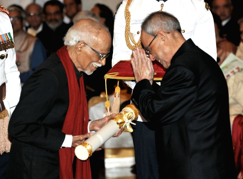 President Pranab Mukherjee presents the Padma Shri Award to Lambert Mascarenhas, at a Civil Investiture Ceremony, at Rashtrapati Bhavan, in New Delhi on April 8, 2015. - Pranab Mukherjee