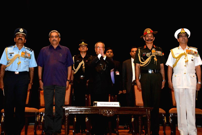 President Pranab Mukherjee with Union Defence Minister  Manohar Parrikar and the chief of Air Staff Air Chief Marshal Arup Raha, the chief of Armed Forces  Gen Dalbir Singh and Chief of ... - Manohar Parrikar, Pranab Mukherjee and Dalbir Singh