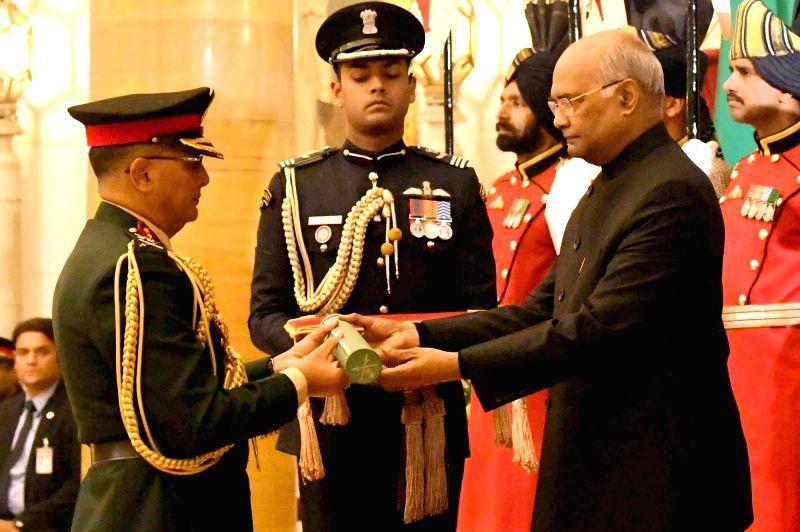 New Delhi: President Ram Nath Kovind confers the Honorary Rank of 'General of Indian Army' on Nepal Army Chief General Purna Chandra Thapa at Rashtrapati Bhawan in New Delhi, on Jan 12, 2019. (Photo: IANS/RB) - Nath Kovind