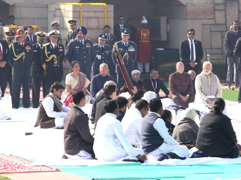 : New Delhi: President Ram Nath Kovind, Prime Minister Narendra Modi, Defence Minister Nirmala Sitharaman and other dignitaries pay tribute on death anniversary of Mahatma Gandhi at Mahatma ...