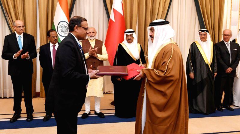 New Delhi: Prime Minister Narendra Modi and Prime Minister of the Kingdom of Bahrain, Prince Khalifa Bin Salman Al Khalifa witness the exchange of MoUs, in Manama, Bahrain on Aug 24, 2019. (Photo: IANS/PIB)