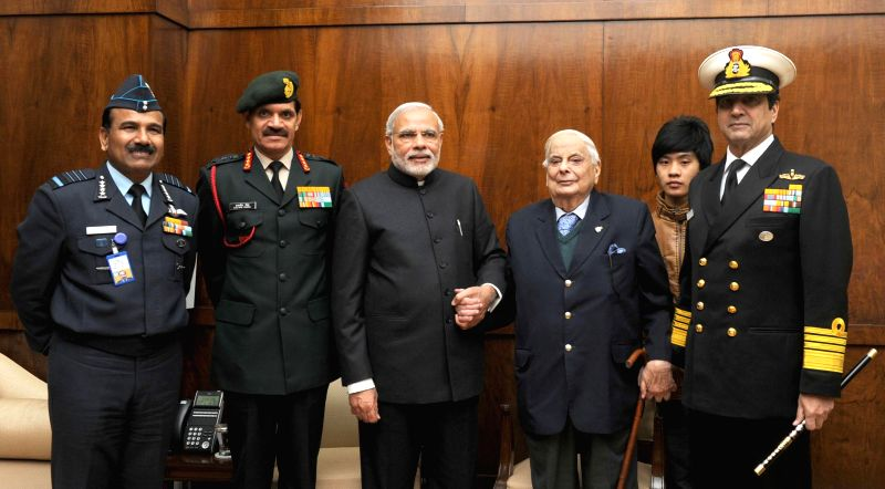 Prime Minister Narendra Modi during a meeting with the Lt. General (Retd.) JFR Jacob, the Chief of Army Staff, General Dalbir Singh, the Chief of Naval Staff, Admiral R.K. Dhowan and the .. - Narendra Modi and Dalbir Singh