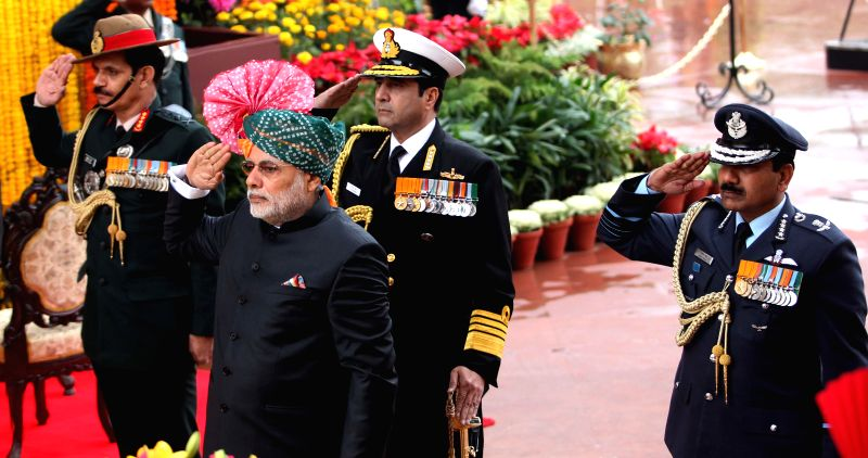 Prime Minister Narendra Modi, the Chief of the Air Staff, Air Chief Marshal Arup Raha, the Chief of Naval Staff, Admiral R.K. Dhowan and the Chief of Army Staff, General Dalbir Singh pays . - Narendra Modi and Dalbir Singh