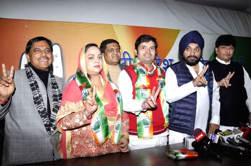 Rambir Shokeen, who was the the independent MLA in the fifth Delhi Assembly joins Congress in presence of Delhi Congress chief Arvinder Singh Lovely in New Delhi, on Jan 11, 2015. - Arvinder Singh Lovely