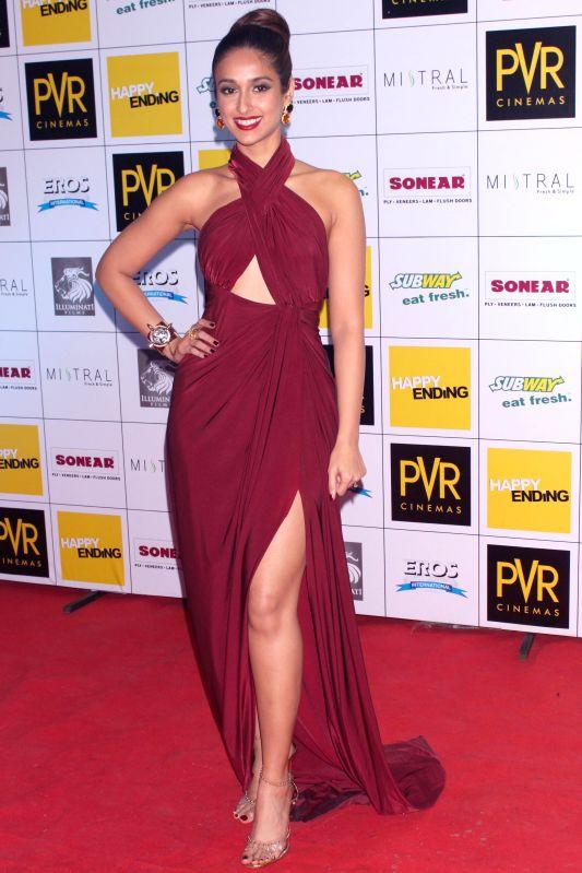 "Saif Ali Khan, Ileana D' Cruz,Govinda and other cast members at  the Red Carpet  for the Film ""Happy Ending"", in New Delhi on November 20,2014. - Saif Ali Khan"
