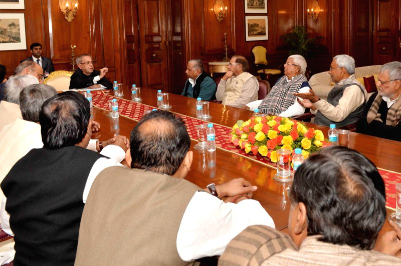 Samajwadi Party chief Mulayam Singh Yadav, JD(U) chief Sharad Yadav, RJD leader Lalu Prasad Yadav, JD(U) leader Nitish Kumar and others call on President Pranab Mukherjee at Rashtrapati ... - Mulayam Singh Yadav, Sharad Yadav, Lalu Prasad Yadav, Nitish Kumar and Pranab Mukherjee