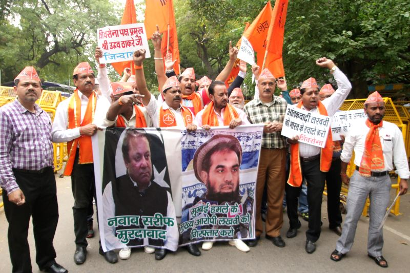Shiv Sena workers stage a demonstration against Pakistan Prime Minister Nawaz Sharif and Zakiur Rehman Lakhvi at Jantar Mantar in New Delhi, on March 14, 2015. - Zakiur Rehman Lakhvi