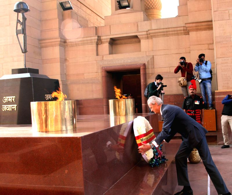 Spanish Defence Minister Pedro Morenes Eulate lays wreath at the Amar Jawan Jyoti, in New Delhi on March 4, 2015. - Pedro Morenes Eulate