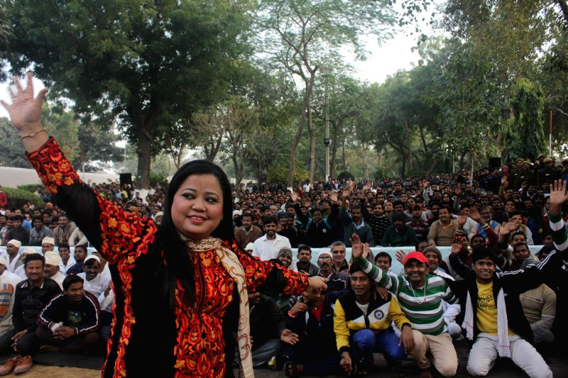 Stand-up comedian and actress Bharti Singh with prisoners during a programme `Spread Cheer Campaign` organised by Comedy Central channel at Tihar Jail in New Delhi  on Dec 18, 2014.