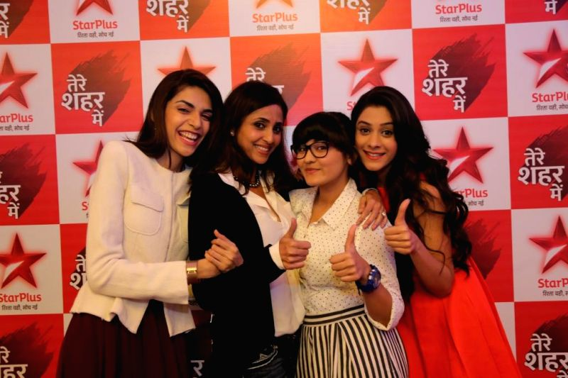Television actors Isha Mishra (Jasmine), Anjum Fakih (Rachita), Hiba Nawab (Amaya Mathur) and Gautami Kapoor (Sneha) during a press conference of upcoming TV soap `Tere Sheher Mein`  in ... - Isha Mishra and Gautami Kapoor