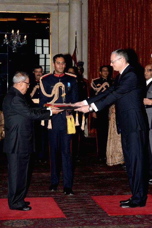 The Ambassador-Designate of Egypt Hatem El Sayed Tageldin presents his credentials to President Pranab Mukherjee, at Rashtrapati Bhavan, in New Delhi on Dec 9, 2014. - Pranab Mukherjee