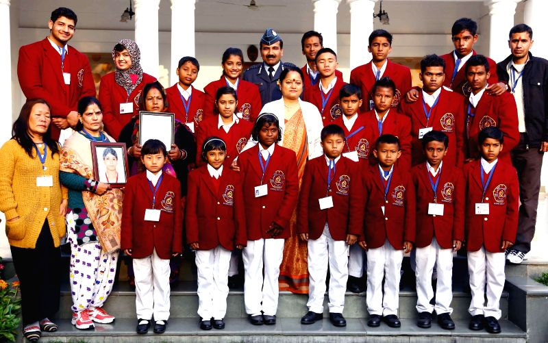 The Chief of the Air Staff, Air Chief Marshal Arup Raha with the National Bravery Award winners, in New Delhi on Jan 19, 2015.