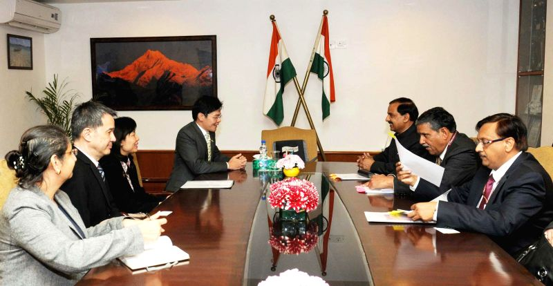 The Minister of Culture, Singapore, Lawrence Wong meets the Union Minister of State for Culture (Independent Charge), Tourism (Independent Charge) and Civil Aviation, Dr. Mahesh Sharma, in