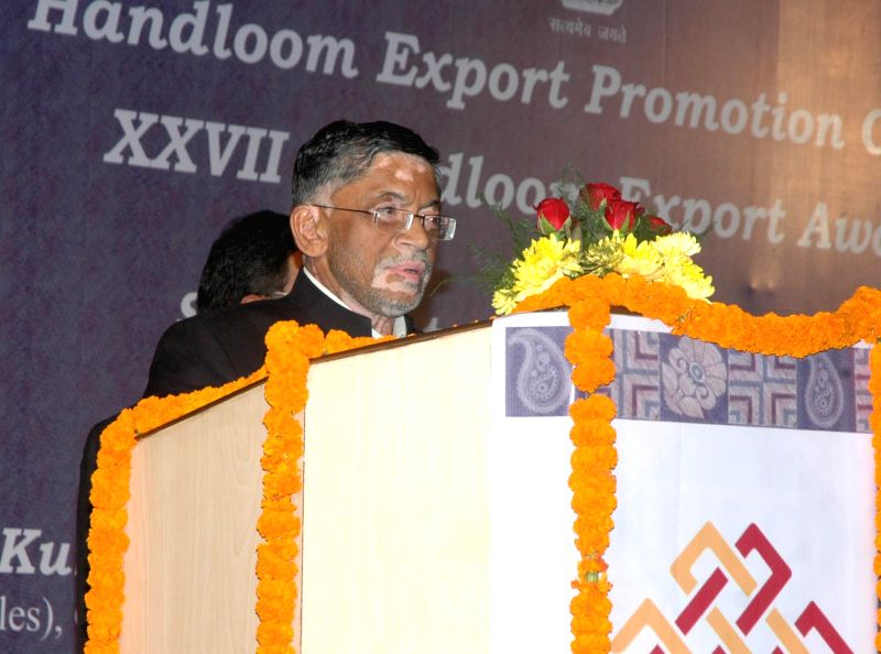 The Minister of State for Textiles (Independent Charge), Santosh Kumar Gangwar addresses at the 27th Handloom Export Awards presentation ceremony, in New Delhi on Dec 5, 2014.