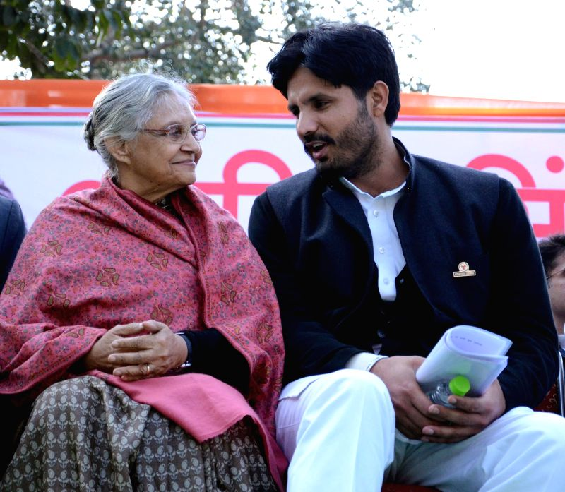 The newly elected president of Indian Youth Congress Amrinder Singh Raja Brar with former Delhi chief minister and Kerala Governor Sheila Dikshit after his appointment in New Delhi, on Jan - Sheila Dikshit
