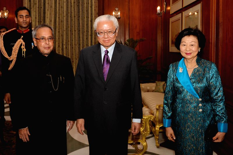 The President of the Republic of Singapore Dr. Tony Tan Keng Yam calls on President Pranab Mukherjee at Rashtrapati Bhawan in New Delhi, on Feb 9, 2015. - Pranab Mukherjee