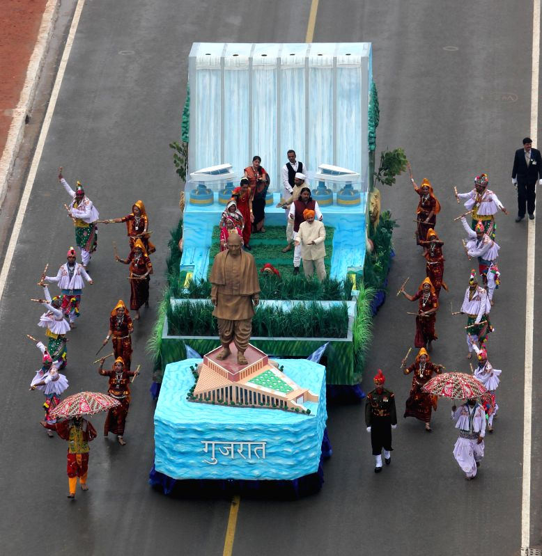 The tableau of Gujarat during Republic Day celebrations at Rajpath in New Delhi, on Jan 26, 2015.