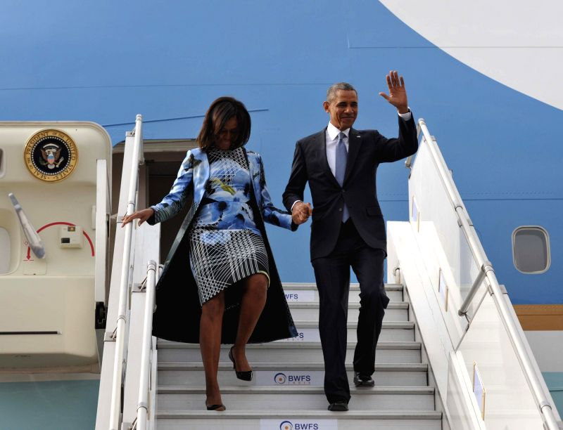 The US President Barack Obama and the First Lady of US Michelle Obama arrives at Palam Airport, in New Delhi on Jan 25, 2015.