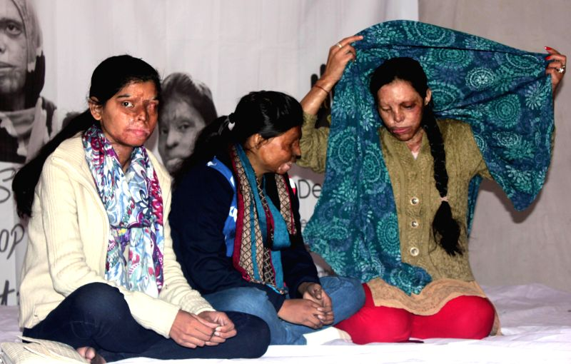 The victims of acid attacks go on a hunger strike to press for their rights at Jantar Mantar in New Delhi, on Dec 12, 2014.