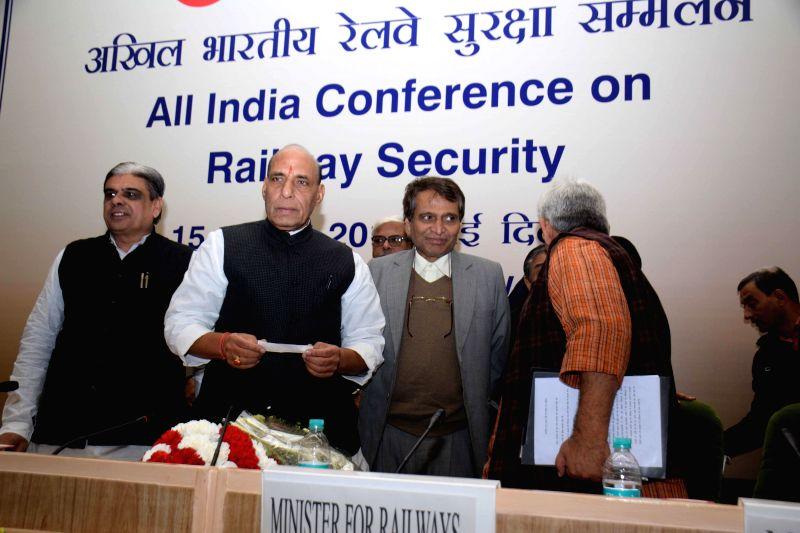 Union Home Minister Rajnath Singh, Union Railway Minister Suresh Prabhakar Prabhu, Union MoS Railways Manoj Sinha and Union MoS for Home Affairs Haribhai Parthibhai Chaudhary at All India . - Suresh Prabhakar Prabhu and Manoj Sinha
