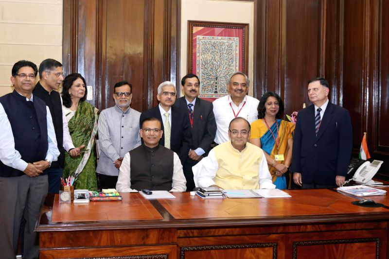 Union Minister for Finance, Corporate Affairs, and Information and Broadcasting Arun Jaitley and Union Minister of State for Finance Jayant Sinha give final touches to the General Budget ... - Jayant Sinha