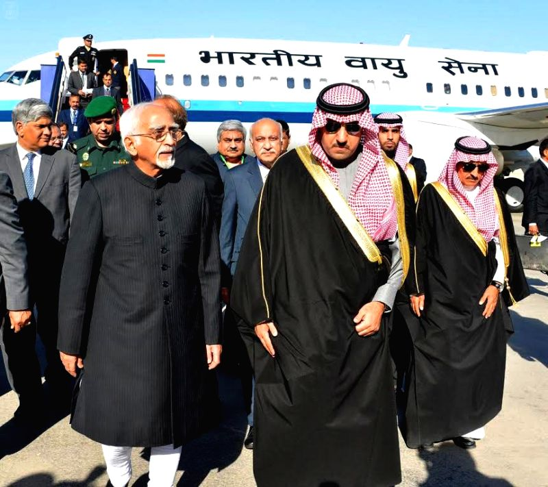 Vice-President Mohammad Hamid Ansari being received by the Governor of Riyadh Province, His Royal Highness Prince Turki Bin Abdullah Bin Abdul Aziz, at Riyadh Air Base, in Saudi Arabia on .