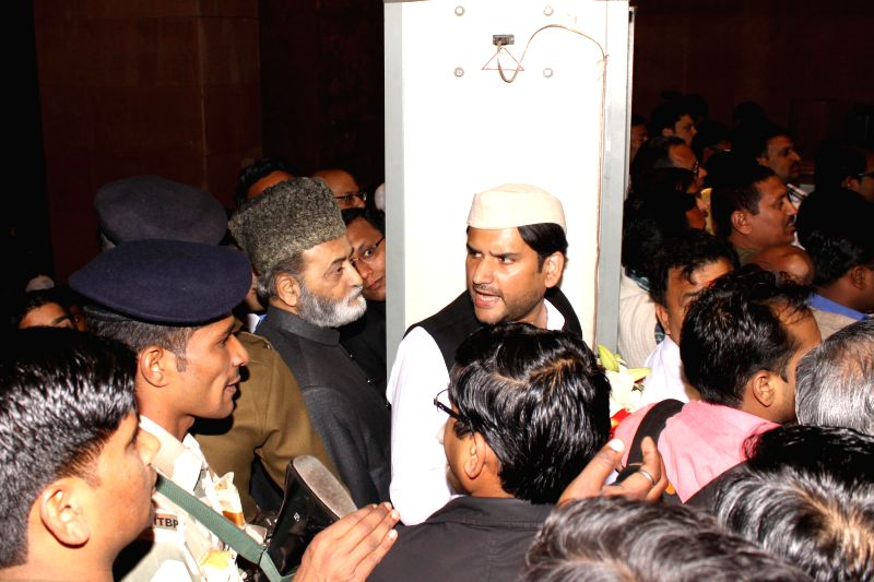 Zafaryab Jilani , convener of the Babri Masjid Action Committe  and Narayan Dutt Tiwari's son Rohit Shekhar during the  Wedding ceremony of Rashtriya Janata Dal chief Lalu Yadav's daughter ... - Narayan Dutt Tiwar, Mulayam Singh Yadav and Tej Pratap Yadav