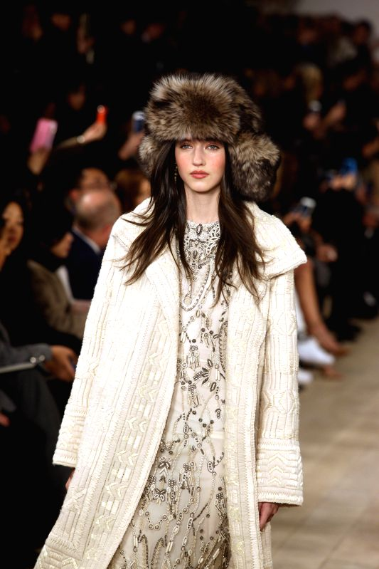 A model presents a creation of Ralph Lauren Fall/Winter 2015 collection during the New York Fashion Week in New York, the United States, Feb. 19, 2015. (Xinhua/Wu ...