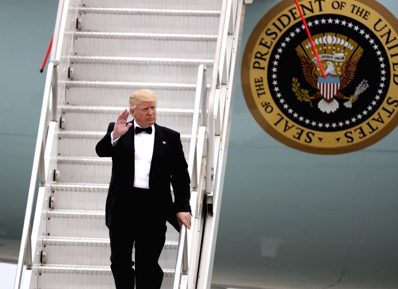 NEW YORK, May 4, 2017 (Xinhua) -- U.S. President Donald Trump walks down the stairs from the Air Force One at John F. Kennedy International Airport in New York, the United States, May 4, 2017. As a native New Yorker, Trump started his first homecomin