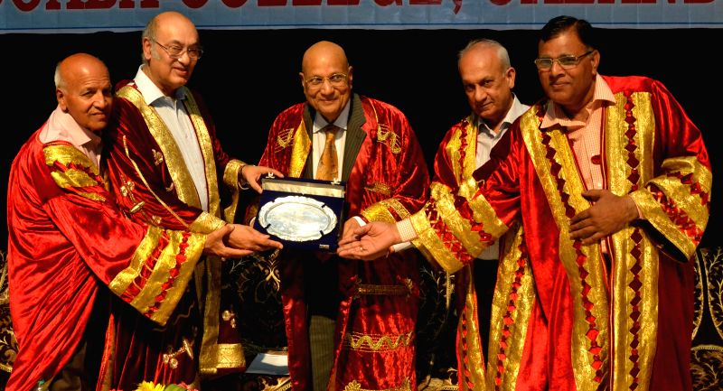 NRI industrialist Lord Swraj Paul being felicitated during annual convocation at Doaba College in Jalandhar on April 18, 2014.