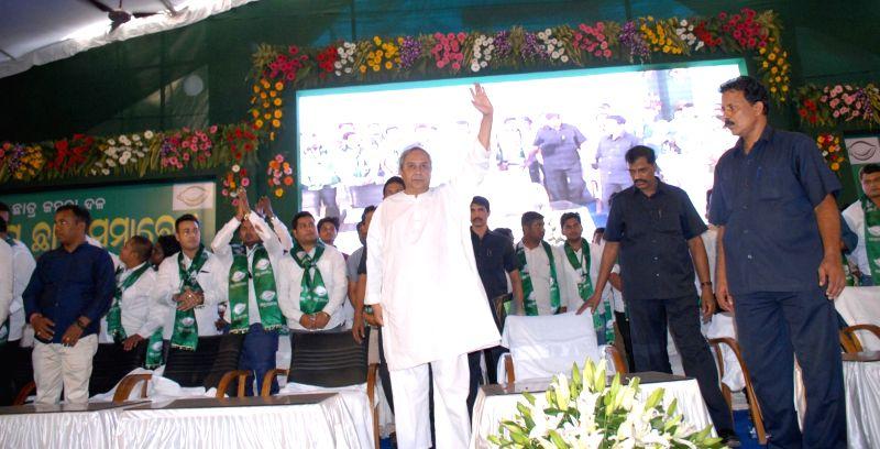 Odisha Chief Minister Naveen Patnaik during a students' rally in Bhubaneswar, on Nov 23, 2015. (Photo : Arabinda Mahapatra/IANS)