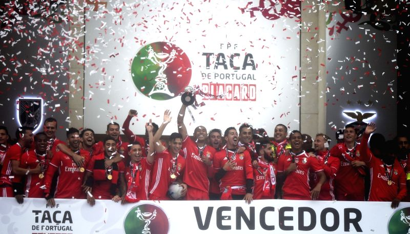 OEIRAS, May 29, 2017 - Players of Benfica celebrate after the Portugal's Cup final football match between SL Benfica and Vitoria SC Guimaraes in Oeiras, Portugal, May 28, 2017. Benfica won 2-1 to ...