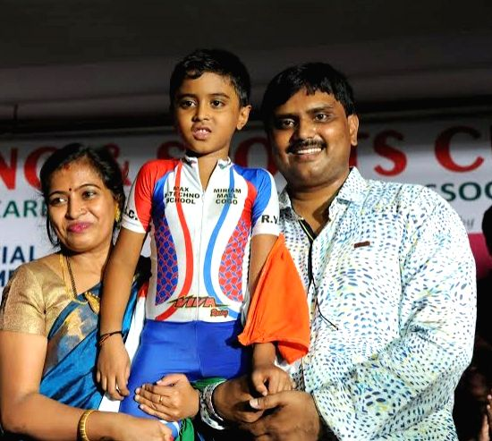 Om Shankar (Swaroop) Gowda, set a Guinness book of world record in farthest limbo skating under 36 cars in 33,64 seconds covering 65meters, in Bengaluru on July 17, 2016.