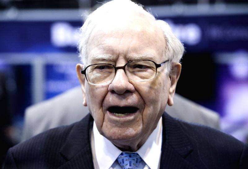 OMAHA (U.S.), May 5, 2018 (Xinhua) -- U.S. billionaire investor Warren Buffett, chairman and CEO of Berkshire Hathaway, visits an exhibition on his invested companies before the Berkshire Hathaway's annual shareholders meeting in Omaha, Nebraska, the