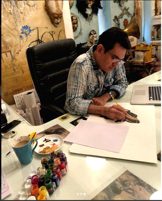 Omung Kumar paints for a cause. - Omung Kumar