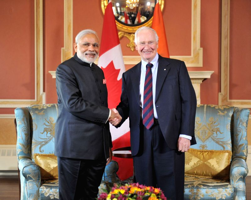 Ottawa (Canada): Prime Minister Narendra Modi meets the Governor General of Canada, the Right Honourable David Johnston, at Ottawa, Canada on April 15, 2015. - Narendra Modi