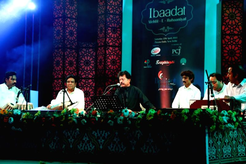 Pakistani singer Attaullah Khan performs during the 1st edition of 'Ibaadat' -Mehfil-e-Ruhaaniyat organised by 'AAS' - an NGO to support the cause of cervical cancer awareness, at Purana Quila in New - Attaullah Khan