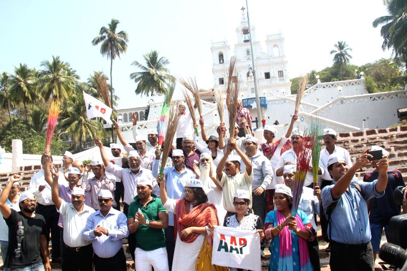 Aam Aadmi Party (AAP) leaders celebrate party's performance in the recently concluded Delhi Assembly Polls in Panaji, on Feb 10, 2015.
