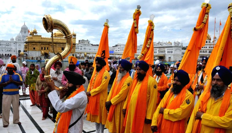 punjabi festival lohri dances in punjabi festival lohri dances are one ...