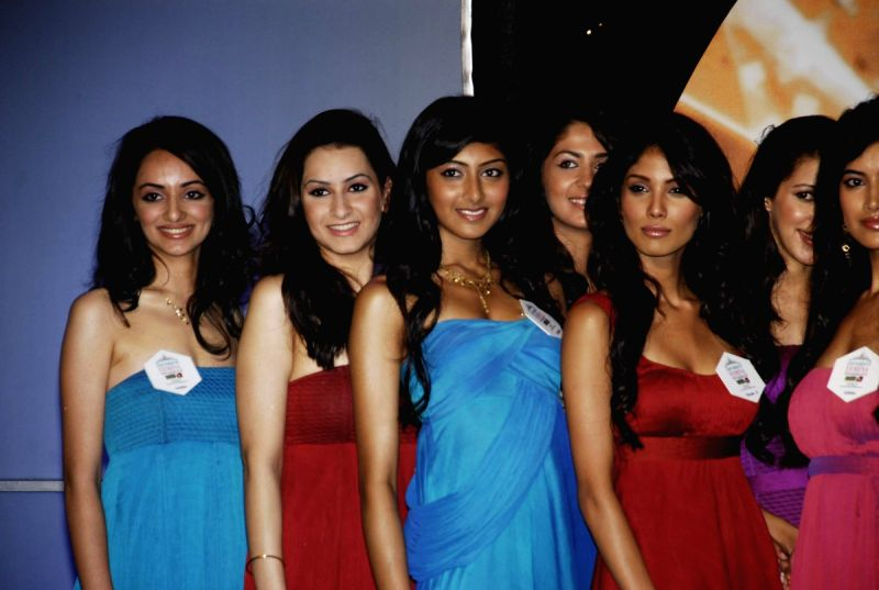 Pantaloon Femina Miss India 2010 unveils finalists at Grand Hyatt.