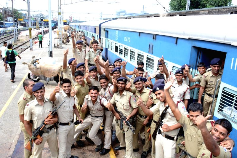 Paramilitary personnel return back to their respective bases from Chennai after conclusion of Tamil Nadu polls  on May 20, 2016.
