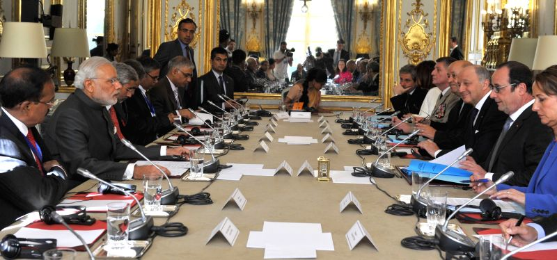 Paris (France): Prime Minister Narendra Modi at the delegation level talks between India and France, at Palais de L`Elysees, in Paris on April 10, 2015. - Narendra Modi