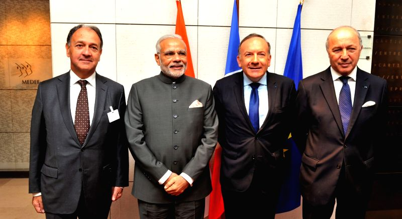 Prime Minister Narendra Modi at the Round Table meeting with the French CEOs on Infrastructure, in Paris on April 10, 2015. - Narendra Modi