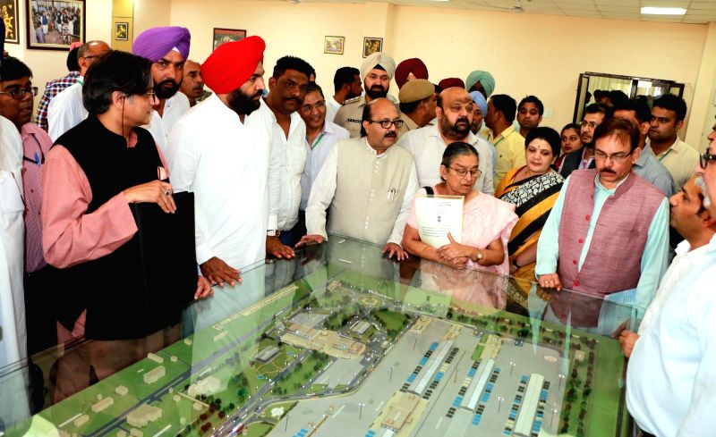 Parliamentary Standing Committee on External Affairs chairperson Shashi Tharoor and others visit to Integrated Check Post (ICP) at Attari-Wagha border in Punjab on May 1, 2017. - Shashi Tharoor