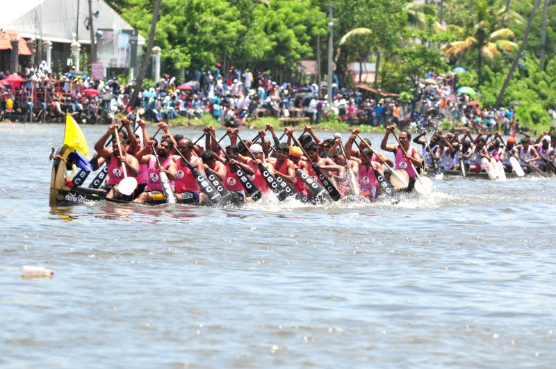 Participents during the Nehru boat race at Vembanad Lake in Alappuzha of Kerala on Aug 12, 2017. The 65th edition of the race, named after former Prime Minister Jawaharlal Nehru. - Jawaharlal Nehru