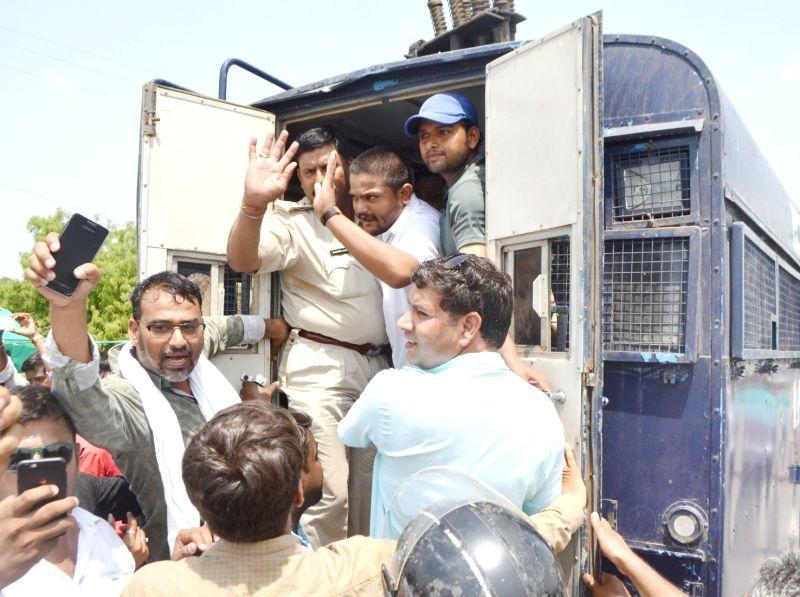 Patidar leader Hardik Patel being detained in Neemuch while he was on his way to Mandsaur to meet the families of the farmers killed in police firing, on June 13, 2017. - Hardik Patel