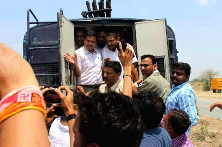 Patidar leader Hardik Patel detained in Neemuch while he was on his way to Mandsaur to meet the families of the farmers killed in police firing, on June 13, 2017. - Hardik Patel